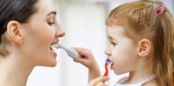 Блог клиники Complex Dent / Как и в каком возрасте учить ребенка чистить зубы самостоятельно?   https://complex-dent.com.ua