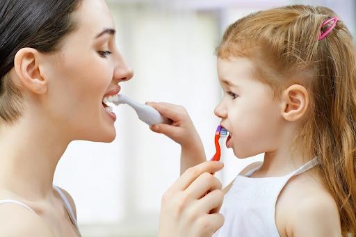 Как уговорить ребенка чистить зубы  - 1 | Complex Dent