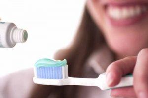 Как правильно выбрать зубную пасту и щётку - 1 | Complex Dent