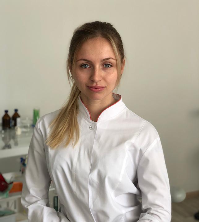 Аксенченко Юлия Анатолиевна: стоматолог клиники | Комплекс Дент